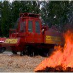 МЧС испытало первый в России трактор, не горящий в огне