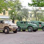 Показ прототипов российских бронемашин Торос и Колун в Москве