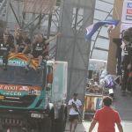 Дакар-2015: два пилота команды Petronas de Rooy на грузовиках IVECO в десятке лидеров