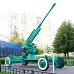 85-мм зенитное орудие— памятник бойцам 1-го корпуса ПВО в Митино