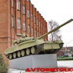 Танк Т 80— памятник в Санкт-Петербурге