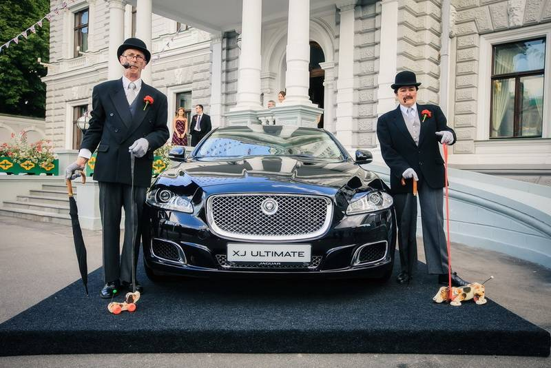 jaguar-land-rover-in-british-embassy-in-moscow-01