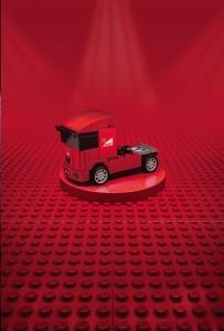 scuderia-ferrari-truck