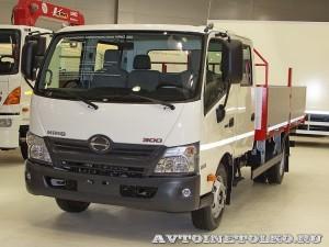 Hino 300 с двойной кабиной и кузовом Техпро на выставке COMTRANS 13