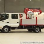Hino 300 с двойной кабиной и кузовом Техпро на выставке COMTRANS 13 слева