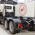 Седельный тягач Hino 700 на выставке COMTRANS 13 сзади