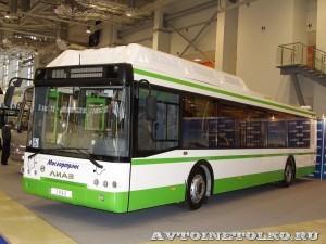 Городской низкопольный автобус ЛиАЗ 5292 с газовым двигателем на выставке GasSuf 2013