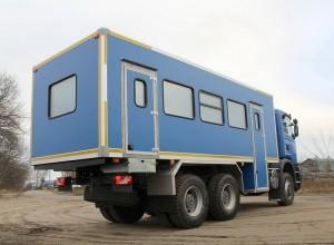 Вахтовый автобус Рускомтранс на шасси Scania сзади