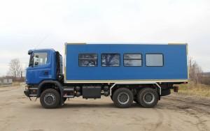 Вахтовый автобус Рускомтранс на шасси Scania слева