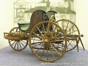 Масштабная модель самобеглой коляски Ивана Кулибина из коллекции Политехнического музея