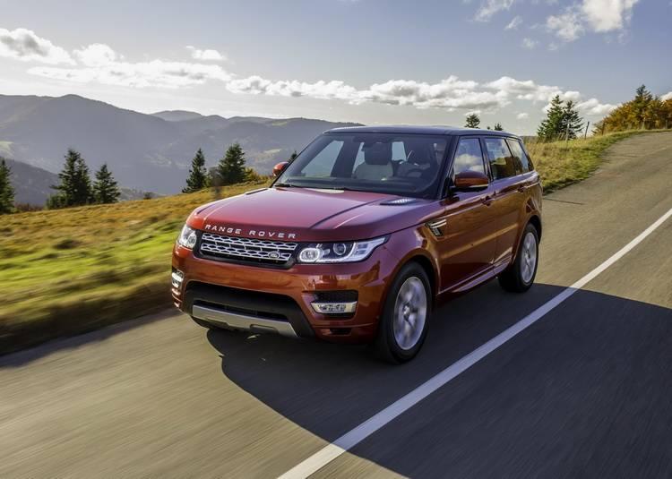 Range Rover Sport признан лучшим внедорожником журналом What Car