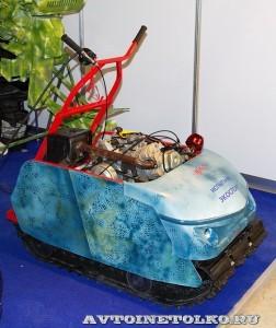 Мотобуксировщик Экоспорт Horton на выставке Вездеход 2013 справа