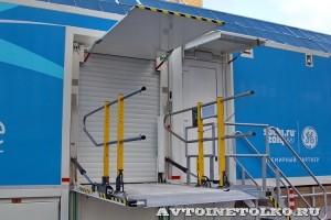 Мобильный пункт КТ и МРТ для Олимпиады в Сочи 2014 НПО Мобильные клиники на выставке Здравоохранение 2013 гидролифт