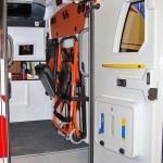 Модульный реанимобиль Volkswagen Amarok NEGEA Tamlans на выставке Здравоохранение 2013 боковая дверь