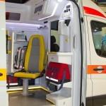 Реанимобиль класс C Volkswagen Crafter НиАЗ на выставке Здравоохранение 2013 перегородка