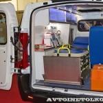Автомобиль скорой медицинской помощи класс А Citroen Jumpy Промышленные Технологии на выставке Здравоохранение 2013 салон слева