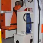Автомобиль скорой медицинской помощи класс B Ford Transit Промышленные Технологии на выставке Здравоохранение 2013 перегородка