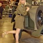 Девушки в военной форме на Олдтаймер-галерее Ильи Сорокина - 4