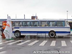 Олимпийский автобус ЛАЗ 699Р на фестивале Мир автобусов в Коломне 2013 года сбоку