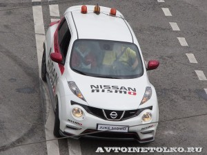 Nissan Yuke Safety Car на автомобильном шоу Moscow City Racing 2013 - 1