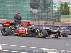 Caterham F1 на автомобильном шоу Moscow City Racing 2013 - 1