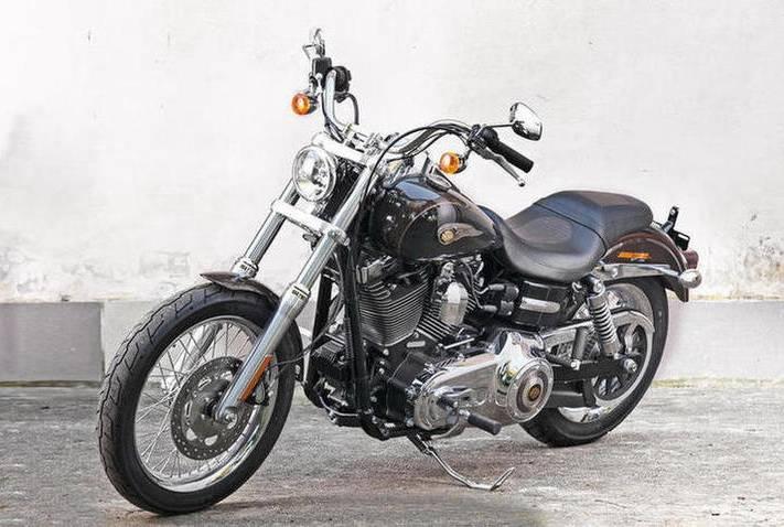 Мотоцикл Harley-Davidson Папы Римского продан с аукциона