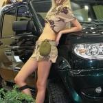 Девушки в камуфляже на Московском автомобильном салоне - 10