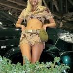 Девушки в камуфляже на Московском автомобильном салоне - 14