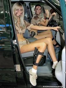 Девушки в камуфляже на Московском автомобильном салоне - 2