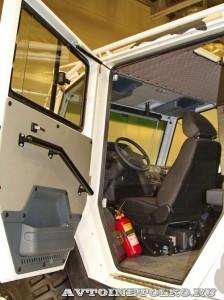 Вездеход на шинах низкого давления Петрович 204-60 на выставке Вездеход 2013 в Крокус Экспо боковая дверь