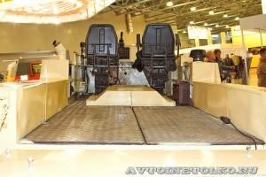 Плавающий вездеход БТ-3 производства ИП Говоров ОКБ на выставке Вездеход 2013 в Крокус Экспо платформа