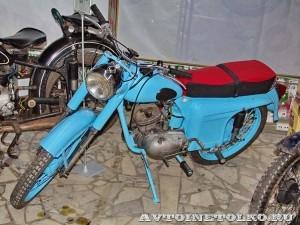 Мотоцикл Минск М-105 в музее Ретро-Мото на ВВЦ - 1