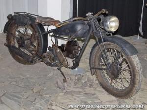 Мотоцикл Triumph 3SW в музее Ретро-Мото на ВВЦ - 1