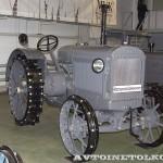 колесный трактор СХТЗ-15-30 на стенде Мастерской Шаманского на Олдтаймер-Галерее в Сокольниках 2014 - 3