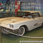Ford Thunderbird на Олдтаймер-Галерее в Сокольниках 2014 - 2