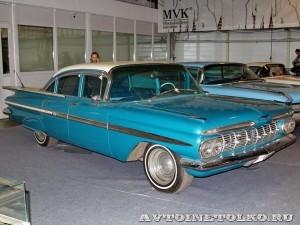 Chevrolet Impala на Олдтаймер-Галерее в Сокольниках 2014 - 1