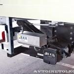 Рефрижератор Schmitz вместимостью 19 европаллетт с холодильной установкой Easy Cold и грузоподъемным бортом BAR на шасси Volvo FM 6х2 на выставке Комтранс 2013 - 3