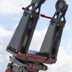 Телескопический погрузчик Manitou MHT-860L с захватом для шин TH на выставке MiningWorld Russia 2013 - 2