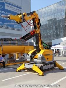 Самоходная машина робот Brokk 400 на выставке MiningWorld Russia 2013 - 1