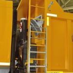 Самосвал Renault Kerax 8x4 с кузовом Wielton на выставке COMTRANS-13 - 2