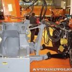 фрезерно-роторный снегоочиститель Шторм-2600 с трактором Terrion Навигатор-НМ на выставке Дорога-2013 - 4