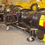 Комбинированная дорожная машина на тракторе John Deere 6930 Arctic Machine на выставке Дорога-2013 - 2
