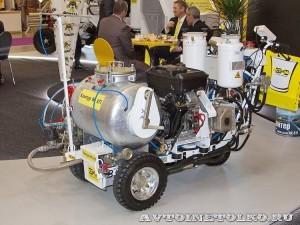 Разметочная машина Kontur 90ХП СТиМ на выставке Дорога-2013 - 3