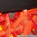 ДЭ-210 БФ-2 на тракторе К-708 на выставке Дорога-2013 - 1