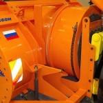 ДЭ-210 БФ-2 на тракторе К-708 на выставке Дорога-2013 - 3