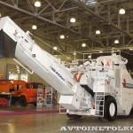 Перегружатель асфальтовой смеси Roadtec SB-2500ex Shuttle Buggy на выставке Дорога-2013 - 2