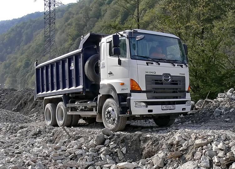 Модернизированный Hino 700 - 1