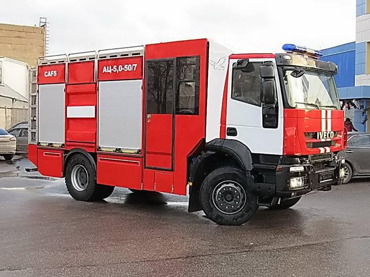 Пожарная автоцистерна АЦ 5,0-50-7 модель 003Б-ЧС на шасси  IVECO Trakker AD190T33 ООО Чибис - 1