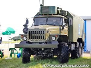 мобильный тренажер самоходной огневой установки 9А317ЭТ из состава ЗРК Бук-М2Э на Авиасалоне МАКС-2013 - 3