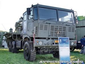 Транспортно-заряжающая машина 9Т244 из состава ЗРК Тор-М2КМ на шасси Tata на Авиасалоне МАКС-2013 - 3